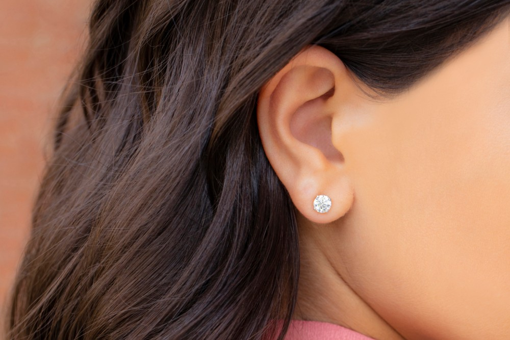 How to Shop for Earrings if You Have Sensitive Ears