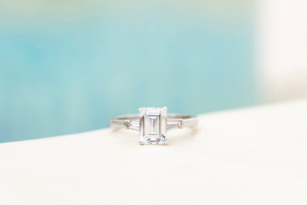 Simple Engagement Rings: The Bridal Trend for the Understated Bride-to-Be