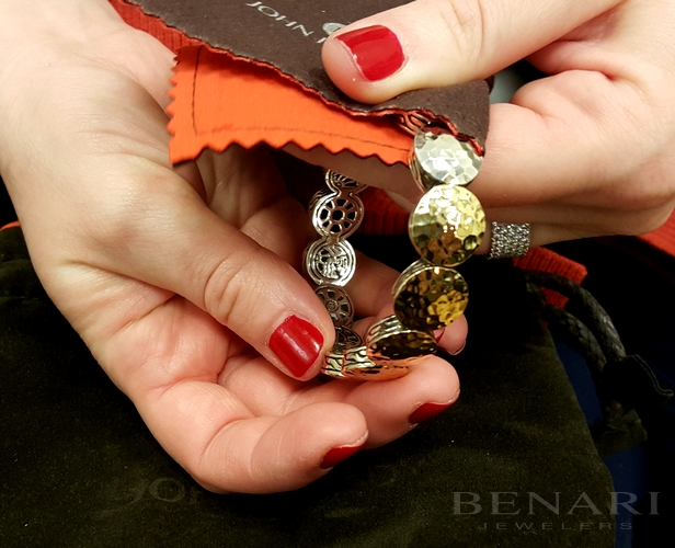 benari provides free cleaning for your jewelry needs.